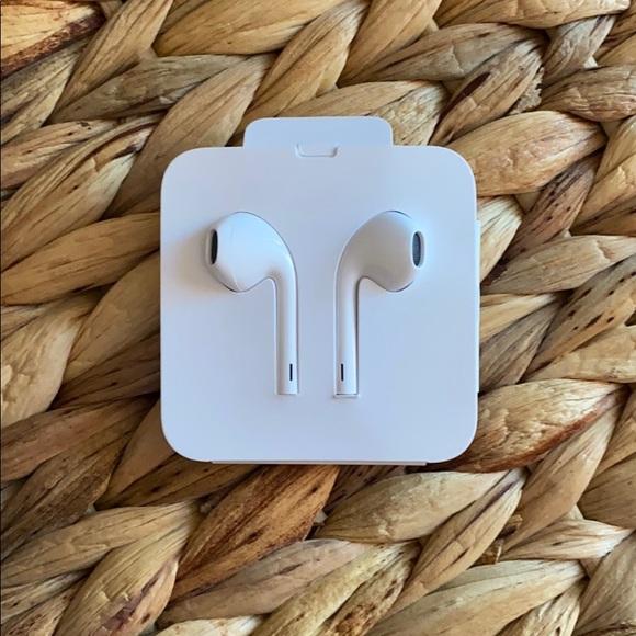 NIP! Wired Apple Ear Buds!